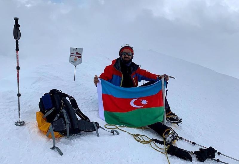 Азербайджанский travel-блогер покорил Казбек