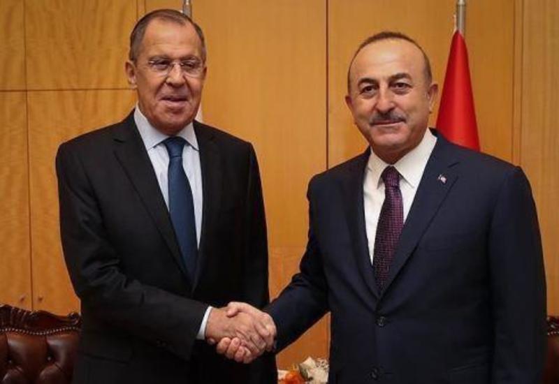 Главы МИД Турции и России обсудили ситуацию в Сирии