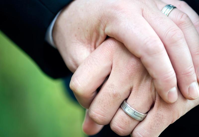 На Тайване мужчина женился на женщине с мертвым мозгом