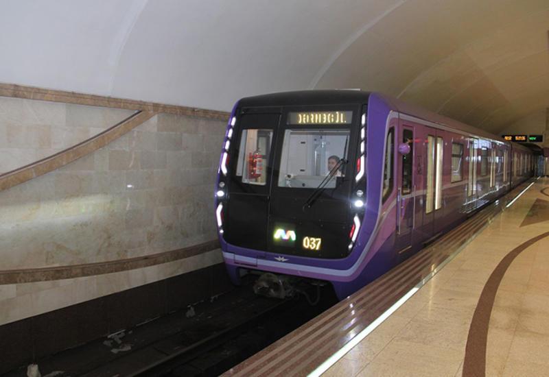 В бакинском метро меняется график движения поездов