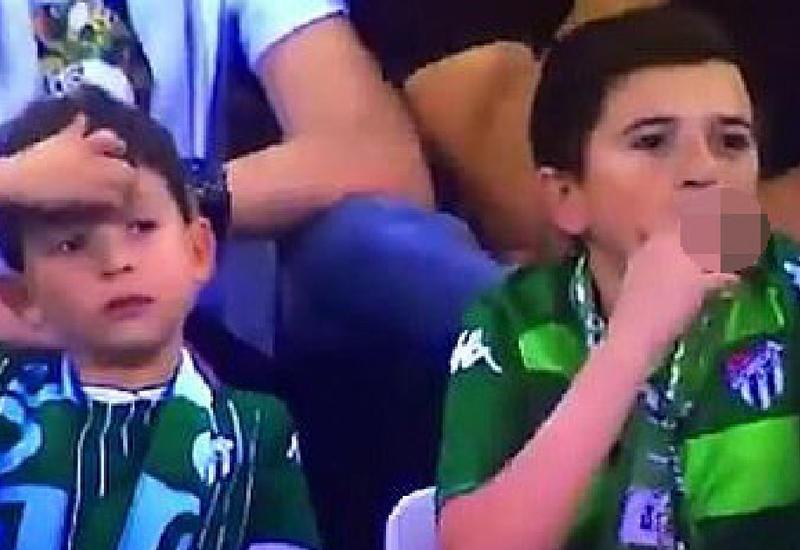 Курящий на матче ребенок возмутил всех, но правда была еще неожиданнее
