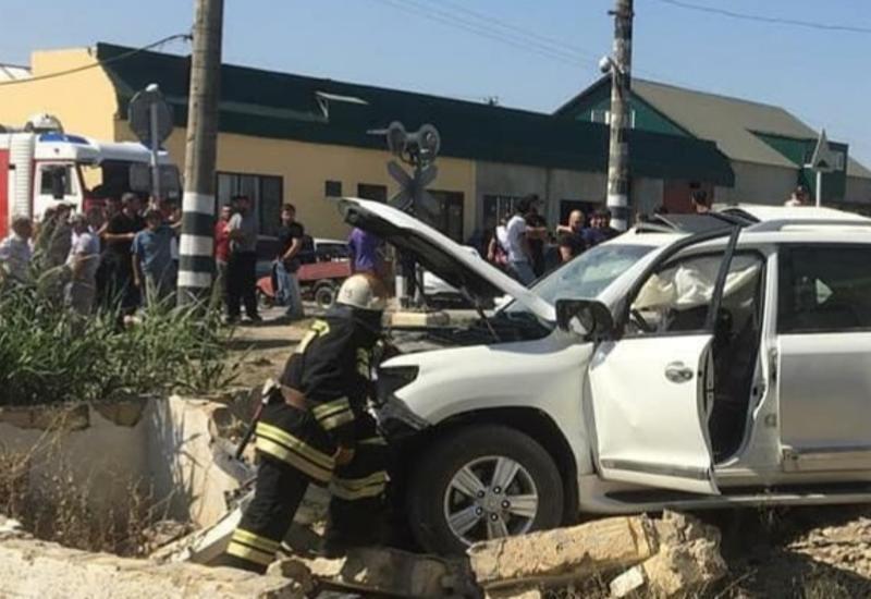 В Дагестане столкнулись автомобиль и тепловоз, есть пострадавшие