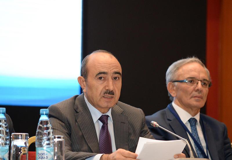 Али Гасанов: Азербайджан - одна из немногочисленных стран, однозначно отказавшихся от государственного регулирования СМИ