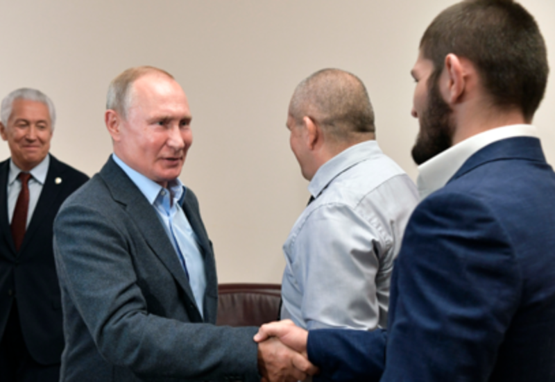 Владимир Путин встретился с Нурмагомедовым и оценил удушение Порье