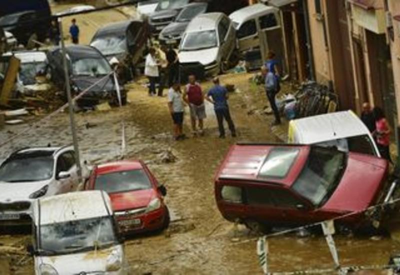 Опубликованы кадры разрушительного наводнения в Испании