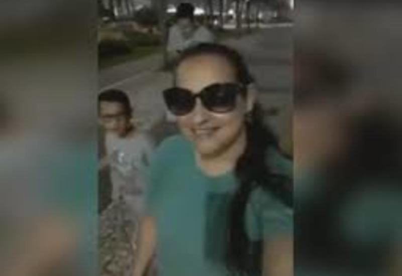 У женщины украли телефон во время прямой трансляции