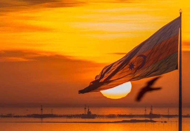 Невероятные кадры Бакинской бухты