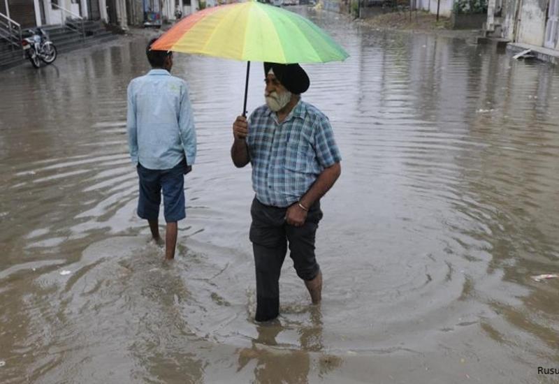 Муссонные ливни в Индии, погибли сотни человек
