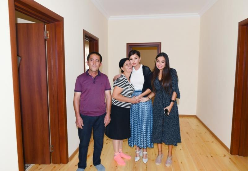 Первый вице-президент Мехрибан Алиева ознакомилась с условиями, созданными в доме, построенном на месте дома, пострадавшего в результате землетрясения в Шамахе