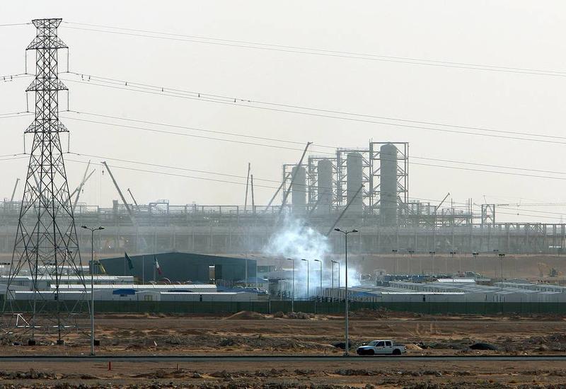 Названа причина пожаров на предприятиях Saudi Aramco