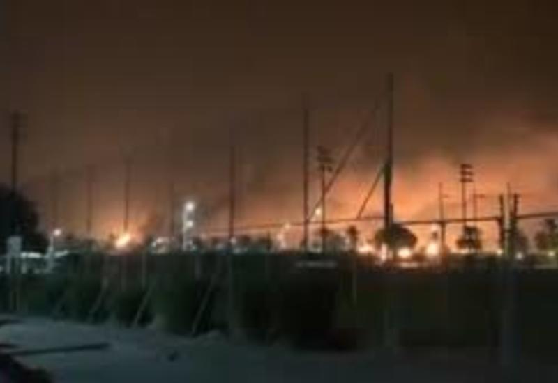 Нефтяной завод в Саудовской Аравии охвачен огнем