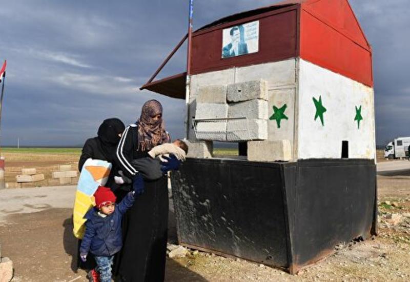 Несколько тысяч граждан вышли из Идлиба через гуманитарный коридор в Суране