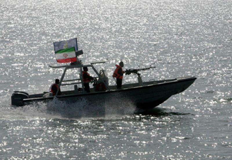 Иранские военные задержали судно с контрабандным топливом