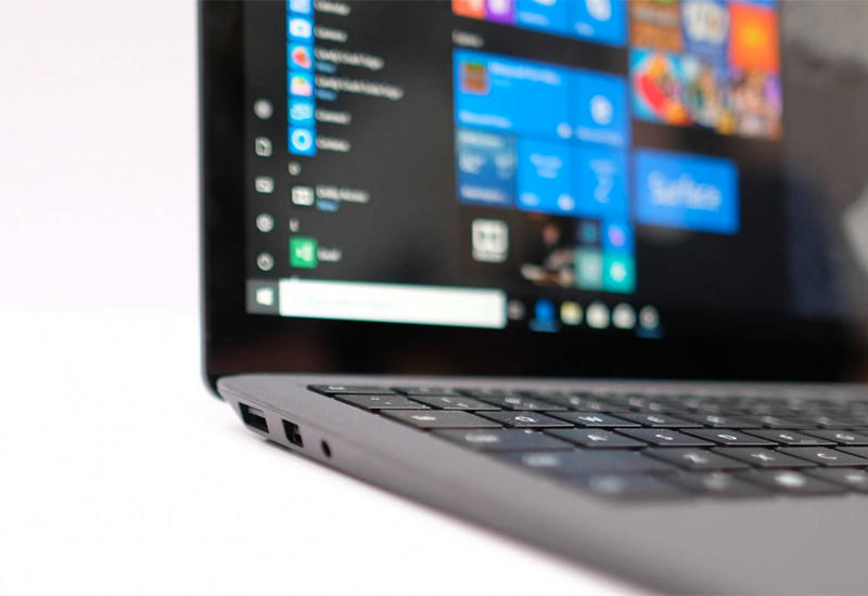 Microsoft выпустит 15-дюймовый ноутбук на чипе AMD
