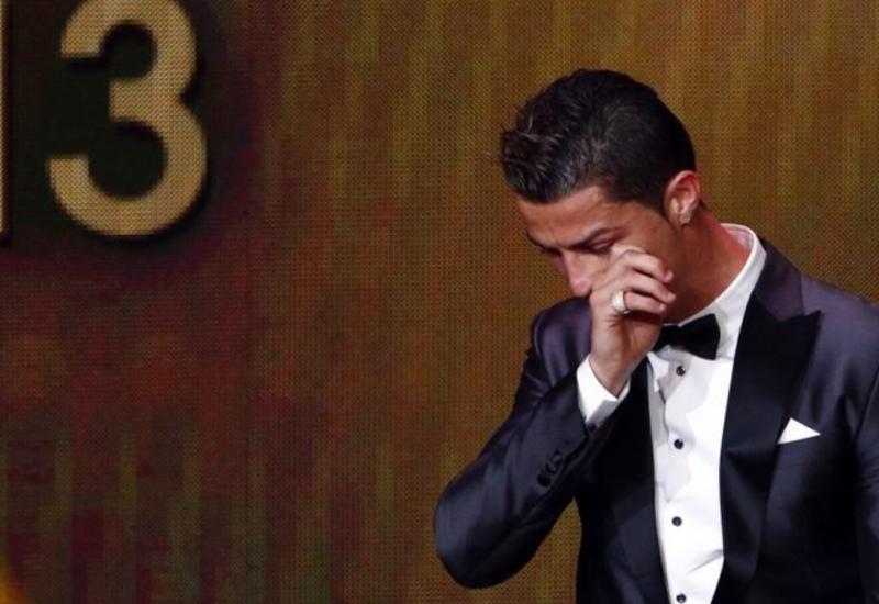 Роналду посмотрел видео об умершем отце и расплакался