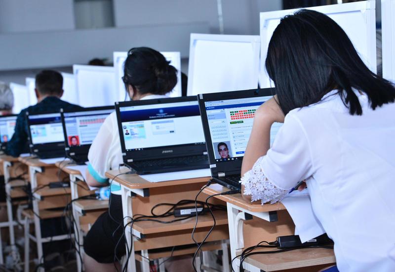 В Азербайджане пройдет пробный экзамен по приему на госслужбу