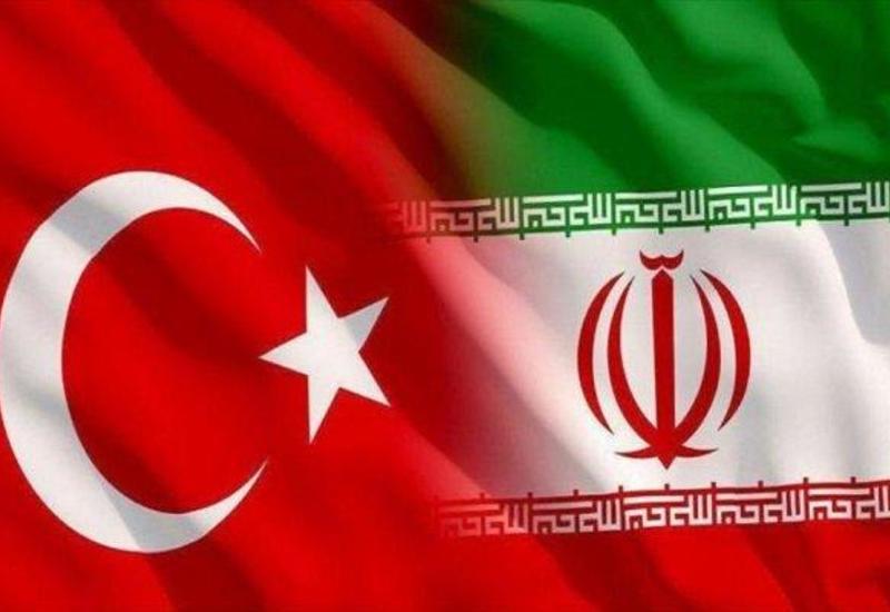 Главы минобороны Турции и Ирана обсудили региональные вопросы