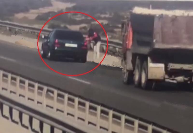 Страшная авария в Аляте, грузовик раздавил двух человек