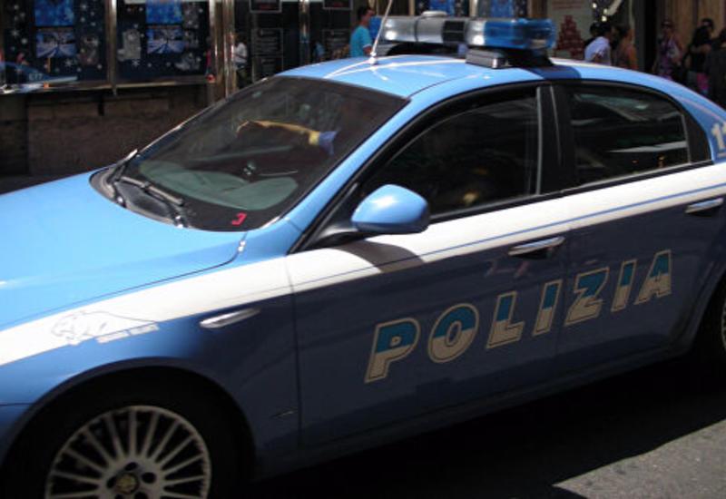 В Милане мигрант напал с ножницами на военного