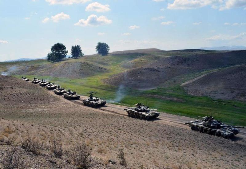 Широкомасштабные учения в Азербайджане: Войска передислоцированы