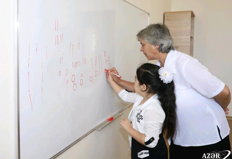 В Агсу и Исмаиллы сданы в эксплуатацию новые школьные здания, построенные Фондом Гейдара Алиева