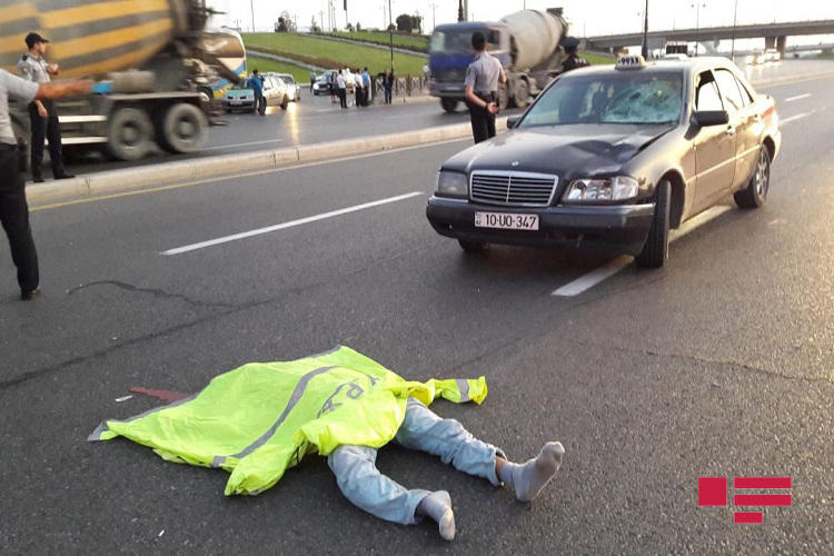 Страшная авария с участием такси в Баку, есть погибший