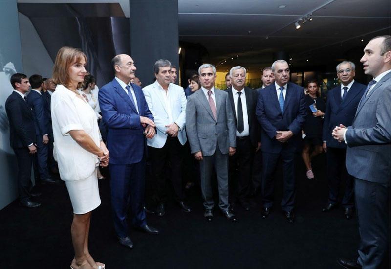 В Центре Гейдара Алиева открылась выставка уникальных музыкальных инструментов народов мира
