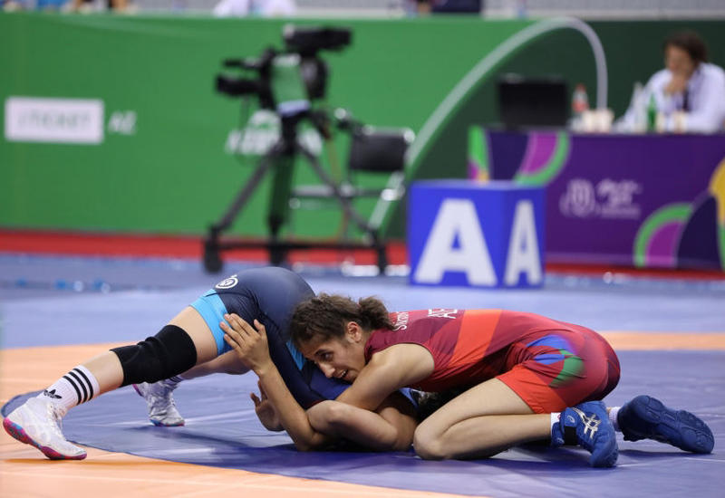 Азербайджанские спортсменки начали выступления с победы на ЧМ по борьбе в Казахстане