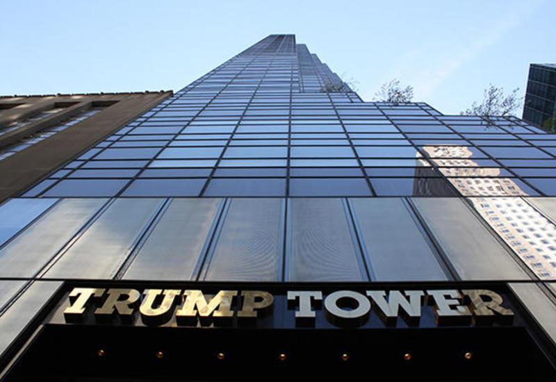Автомобиль протаранил вход в башню Trump Plaza