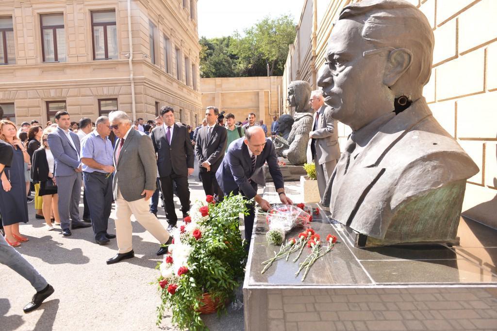 В Азербайджане тожественно отметили День национальной музыки