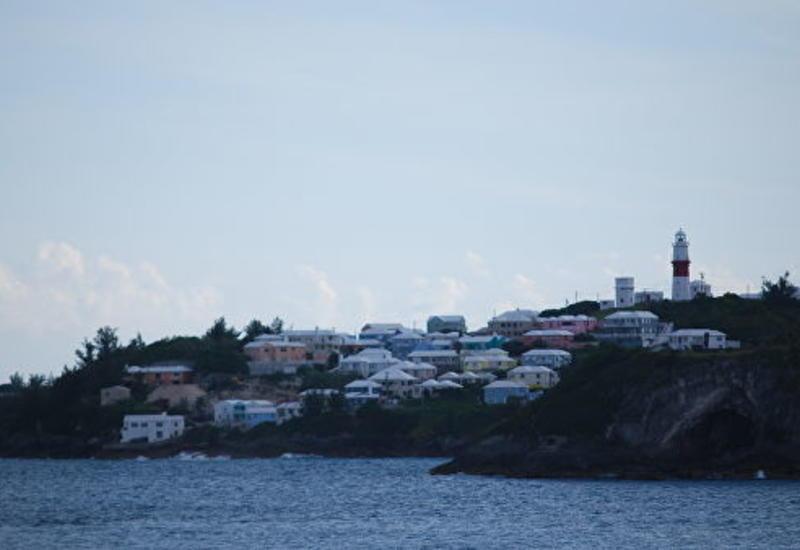 Более трети населения Бермуд остались без света