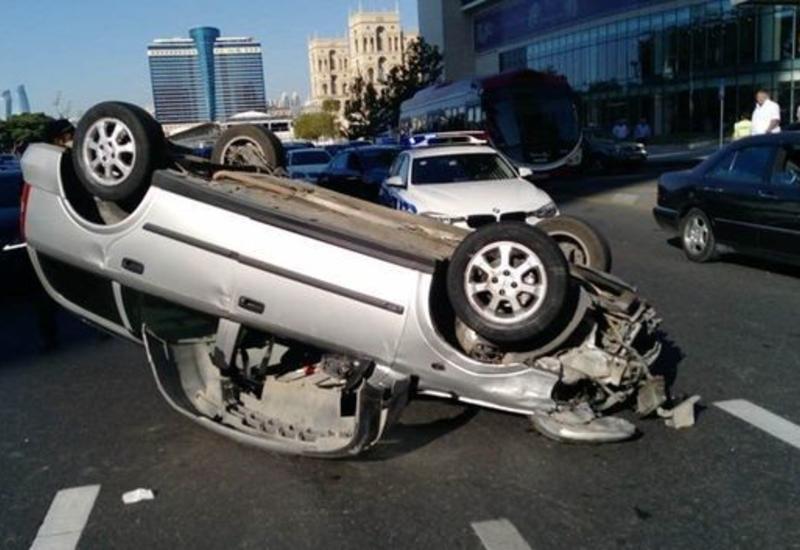 Тяжелое ДТП в центре Баку