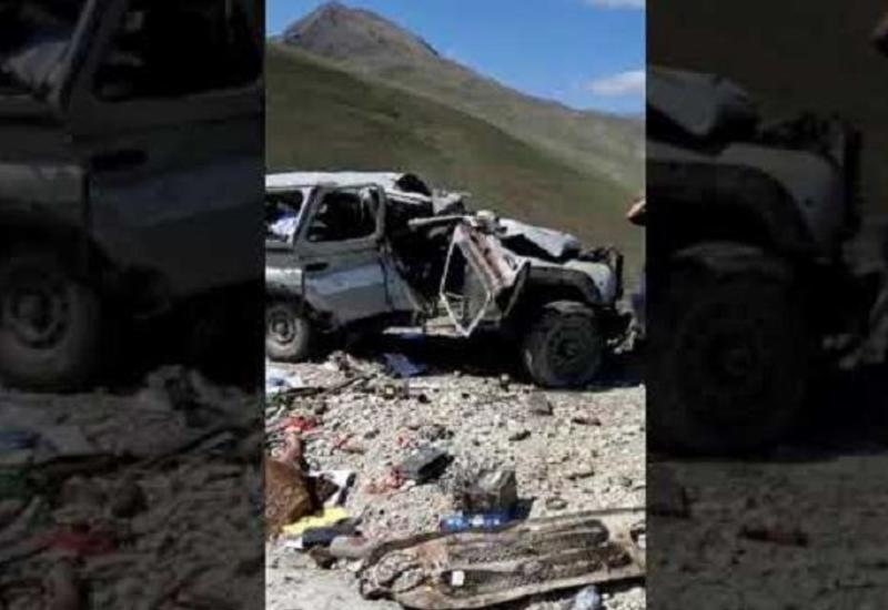 Появились кадры страшного смертельного ДТП в Азербайджане