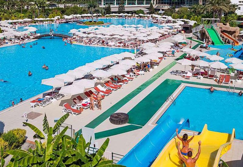 Власти Антальи усилят контроль за безопасностью в бассейнах при отелях