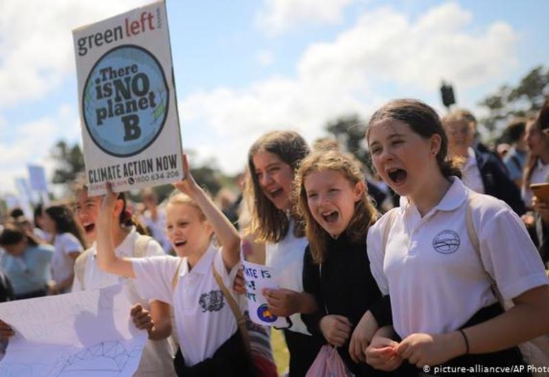 Сотни тысяч австралийцев вышли на климатический митинг