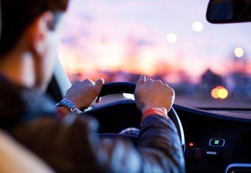 В Баку пропал мужчина вместе с автомобилем