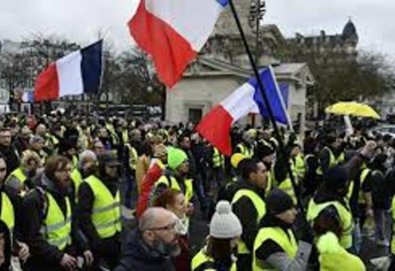 """В ходе акции """"желтых жилетов"""" в Париже арестованы десятки человек"""