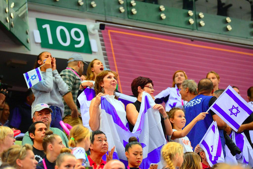 Яркие моменты шестого дня Чемпионата мира по художественной гимнастике в Баку