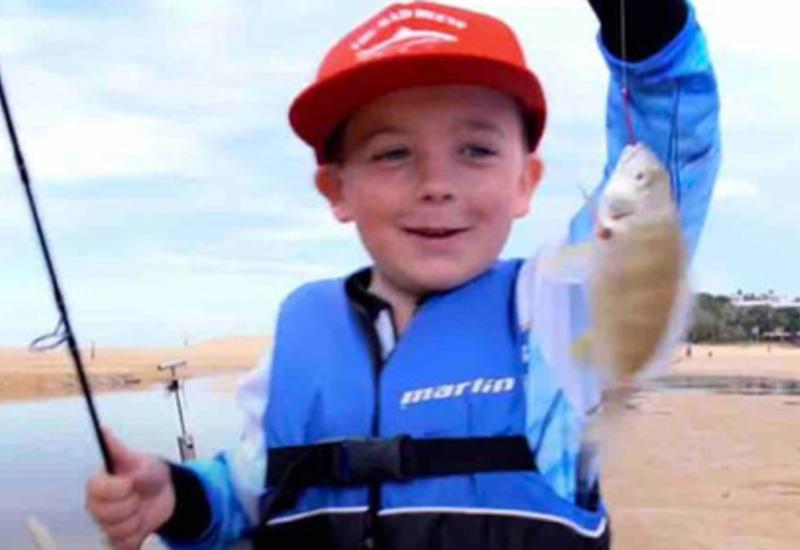 В Австралии отец шесть часов спасал тонущего ребенка в ледяном море