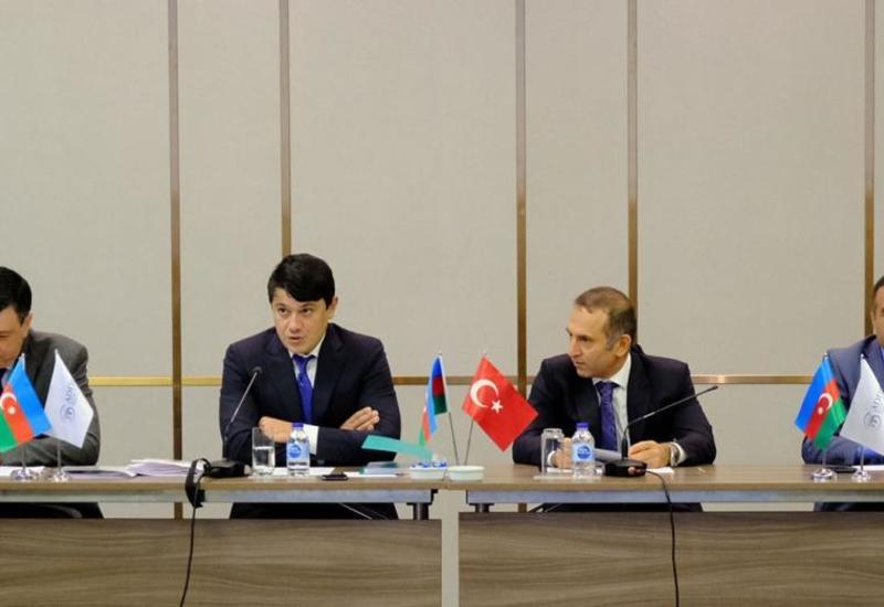 В Стамбуле прошло первое собрание Координационных советов азербайджанцев, проживающих за рубежом