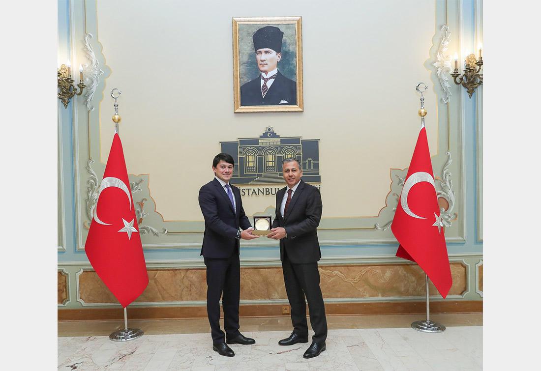 Фуад Мурадов на переговорах с губернатором Стамбула