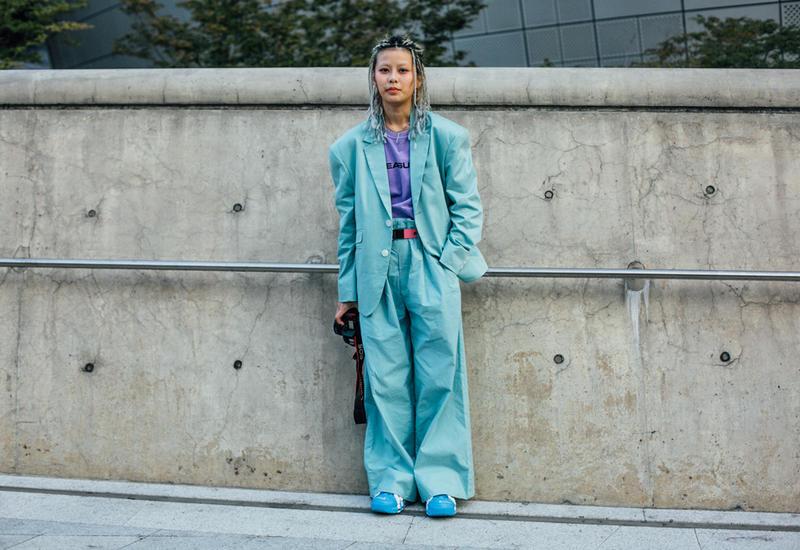 Как цвет одежды влияет на поведение?