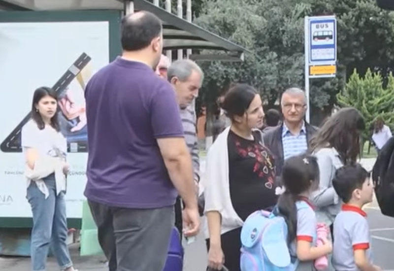 В Азербайджане предложили сделать общественный транспорт бесплатным для школьников