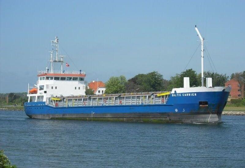 Грузовое судно село на мель у берегов Швеции из-за пьяного капитана