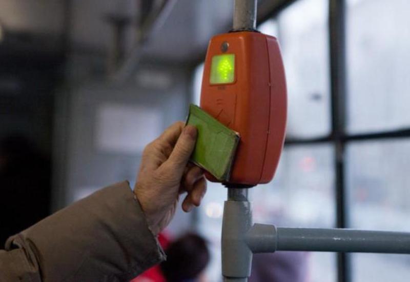 В Баку все автобусы перейдут на карточную систему