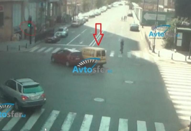 В Баку водитель совершил тяжелое ДТП, проехав на красный свет