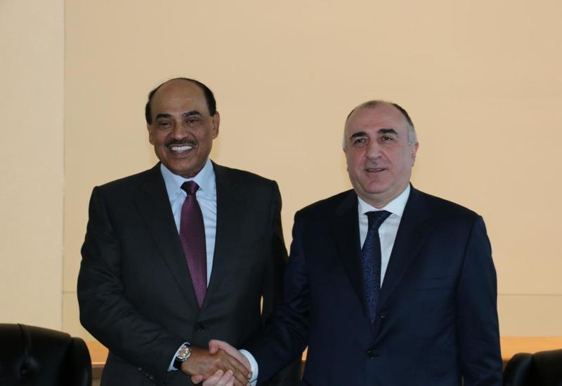 Эльмар Мамедъяров на переговорах с кувейтским коллегой