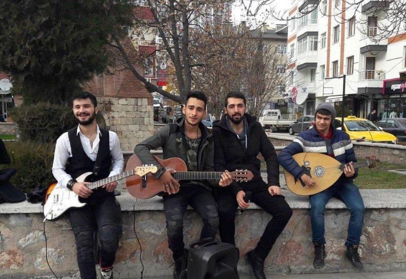 В Баку начинается отбор уличных музыкантов