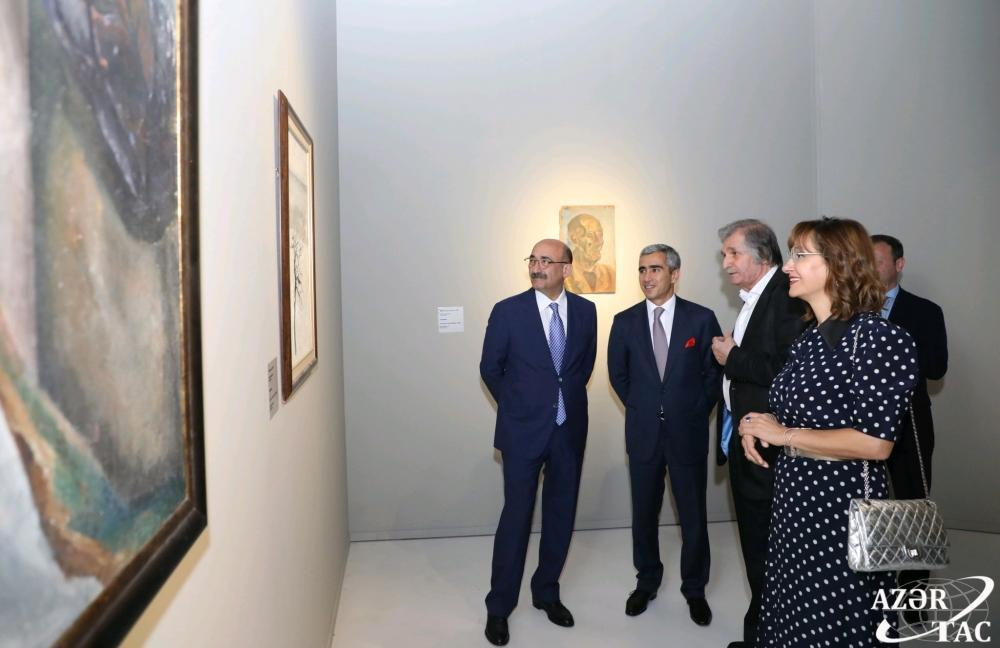 В Центре Гейдара Алиева открылась персональная выставка народного художника Фархада Халилова
