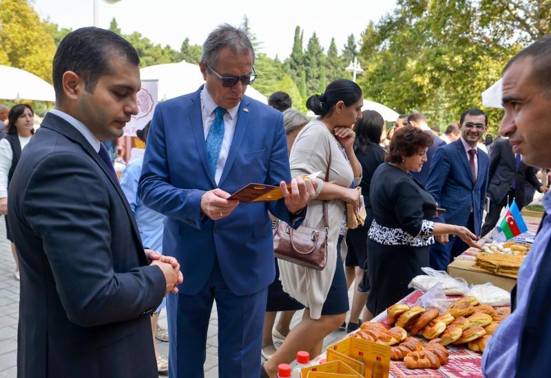 В Нафталане состоялась выставка-ярмарка продукции субъектов МСБ